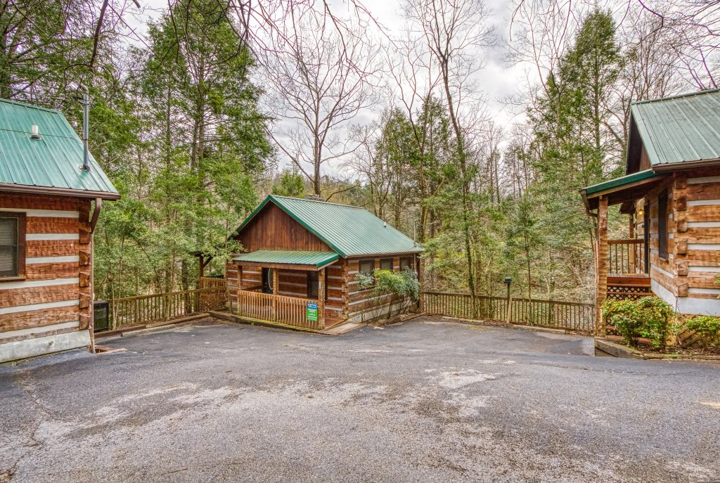 Photo of a Gatlinburg Cabin named Moonshine Madness #1611 - This is the nineteenth photo in the set.