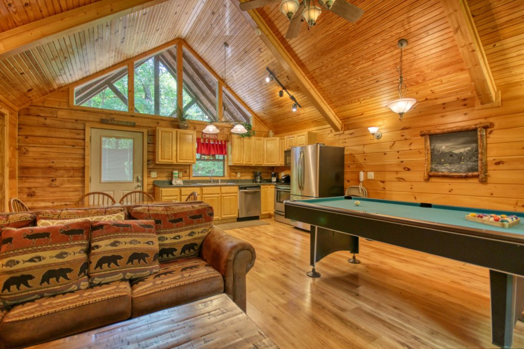 Photo of a Gatlinburg Cabin named Bear Haven - 297 - This is the eighth photo in the set.