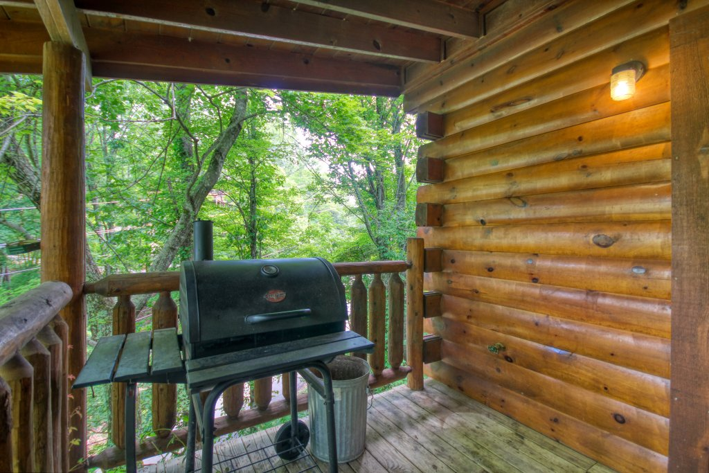 Photo of a Gatlinburg Cabin named American Treehouse #1708 - This is the twenty-second photo in the set.