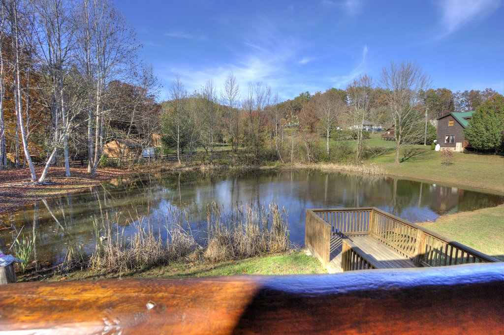 Photo of a Sevierville Cabin named A Fishing Hole #156 - This is the fifty-second photo in the set.