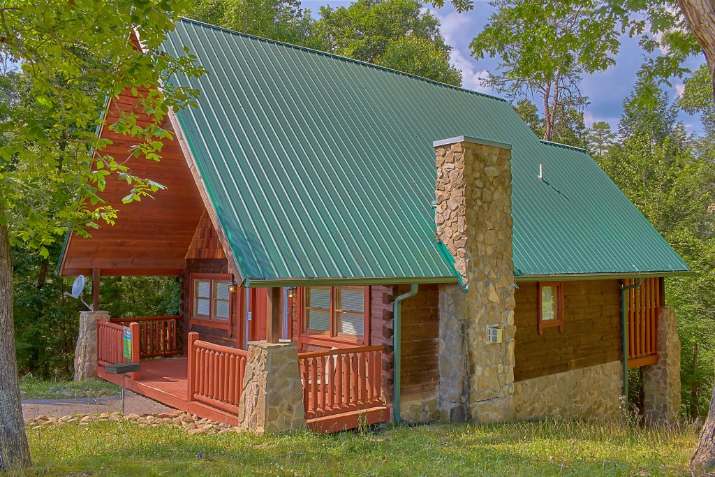 Photo of a Sevierville Cabin named Hidden Romance #1404 - This is the first photo in the set.
