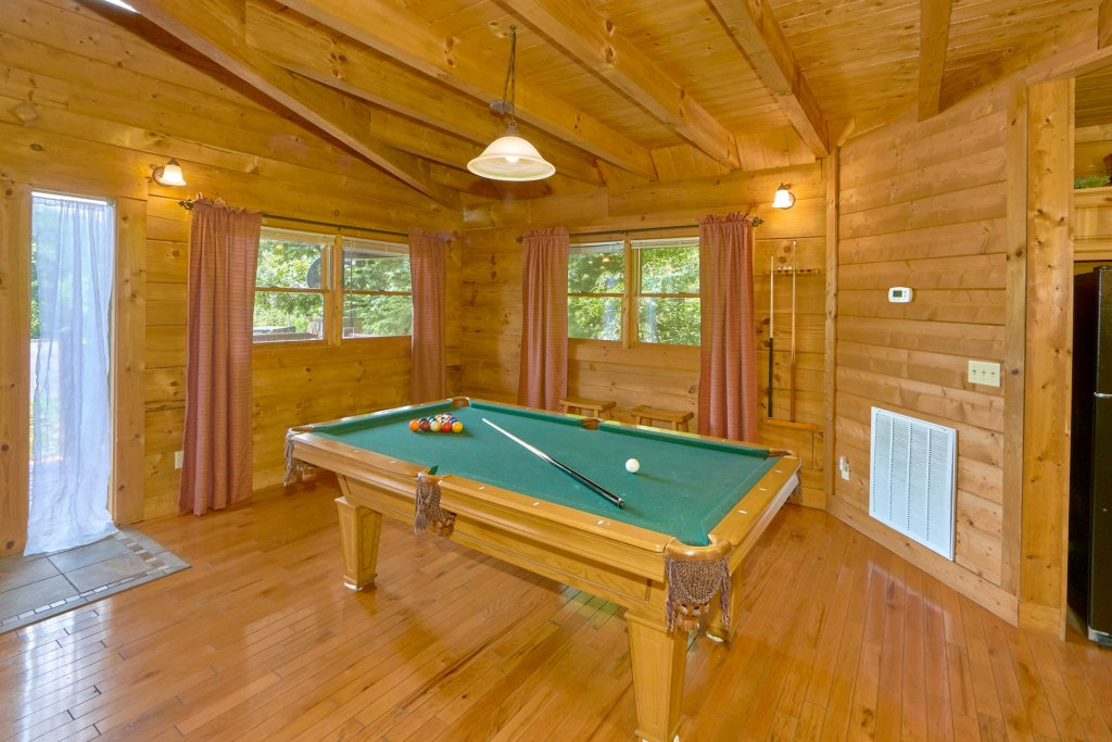 Photo of a Sevierville Cabin named Hidden Romance #1404 - This is the seventh photo in the set.