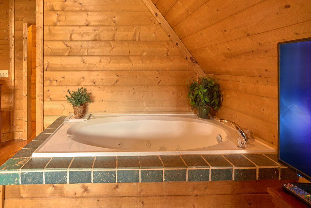Photo of a Sevierville Cabin named Hidden Romance #1404 - This is the twentieth photo in the set.