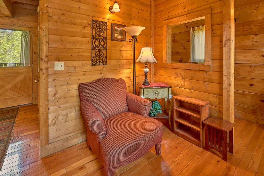 Photo of a Sevierville Cabin named Hidden Romance #1404 - This is the twenty-seventh photo in the set.
