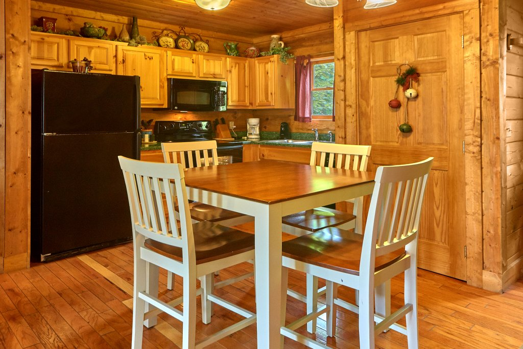 Photo of a Sevierville Cabin named Hidden Romance #1404 - This is the twenty-second photo in the set.