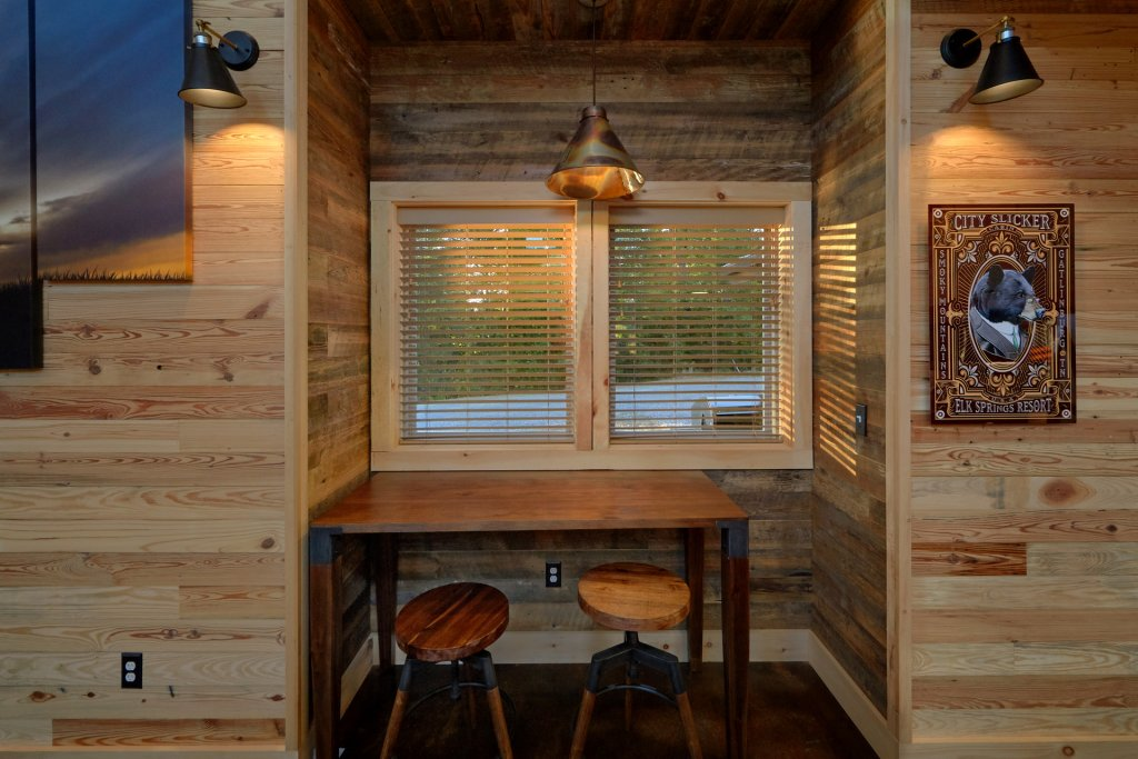 Photo of a Gatlinburg Cabin named City Slicker - This is the thirty-sixth photo in the set.