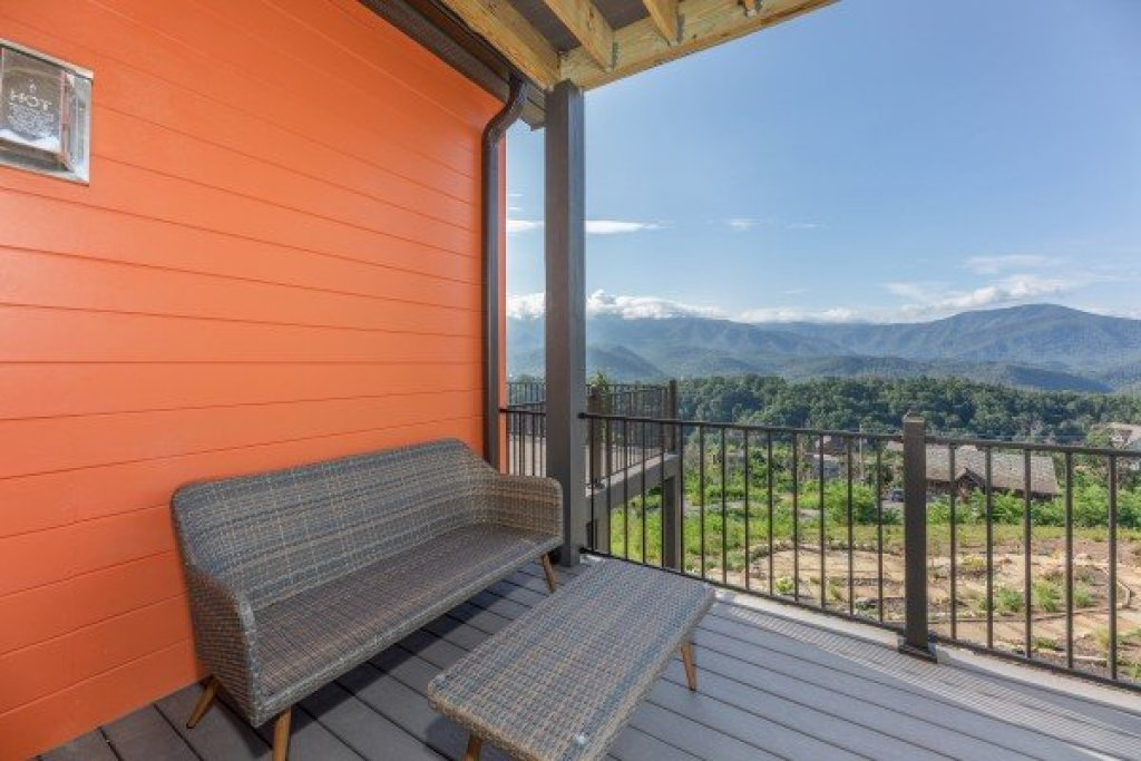 Photo of a Gatlinburg Cabin named Mountain Celebration! - This is the thirteenth photo in the set.