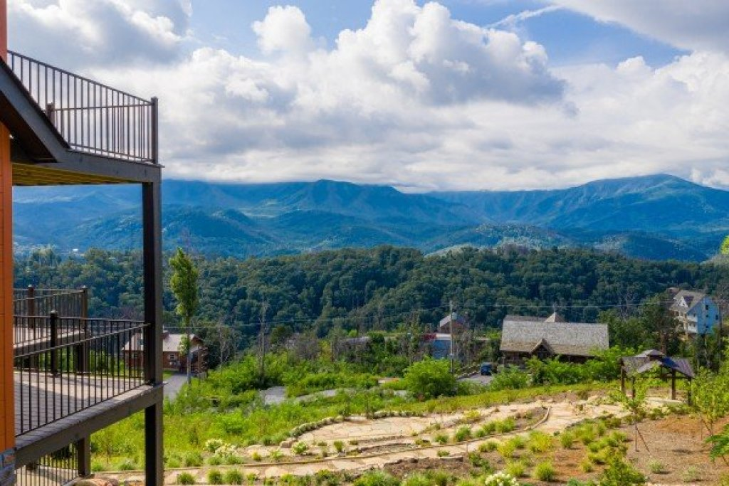 Photo of a Gatlinburg Cabin named Mountain Celebration! - This is the forty-seventh photo in the set.