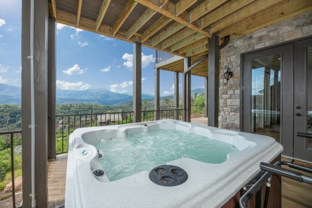 Photo of a Gatlinburg Cabin named Mountain Celebration! - This is the forty-second photo in the set.