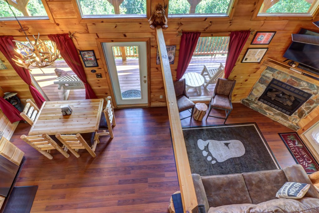 Photo of a Pigeon Forge Cabin named Yeti Peak - This is the eighth photo in the set.