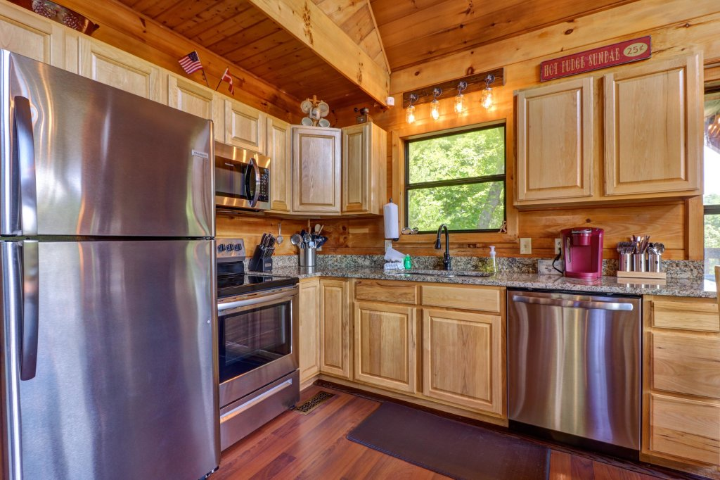 Photo of a Pigeon Forge Cabin named Yeti Peak - This is the twelfth photo in the set.