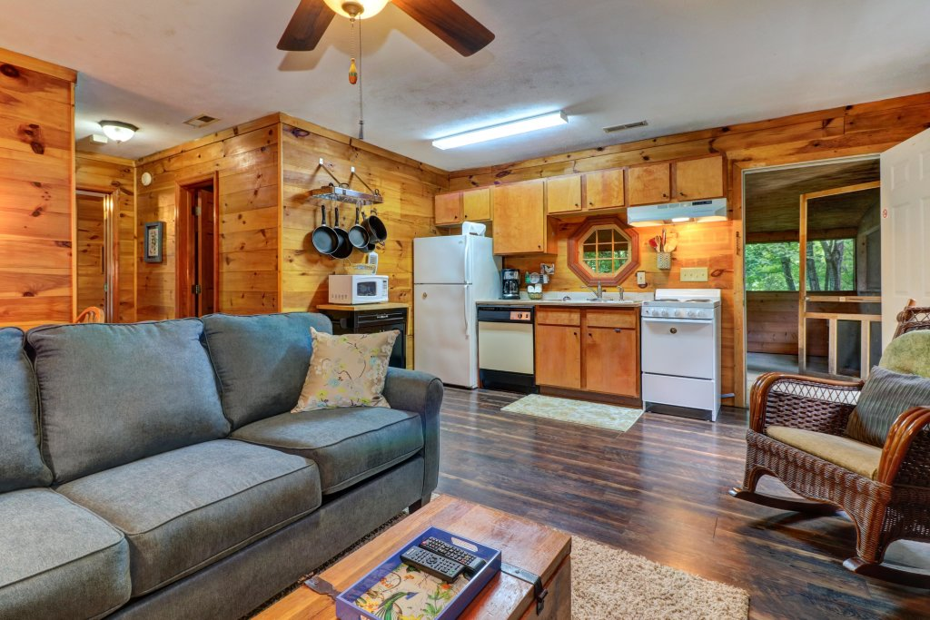 Photo of a Gatlinburg Cabin named Crescent Moon - This is the third photo in the set.