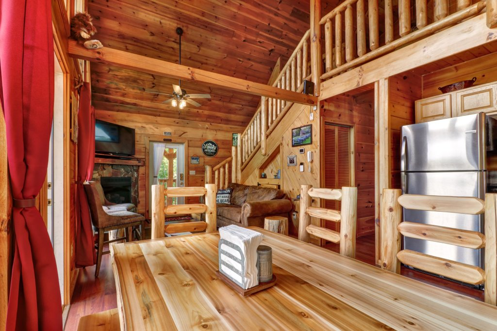 Photo of a Pigeon Forge Cabin named Yeti Peak - This is the tenth photo in the set.