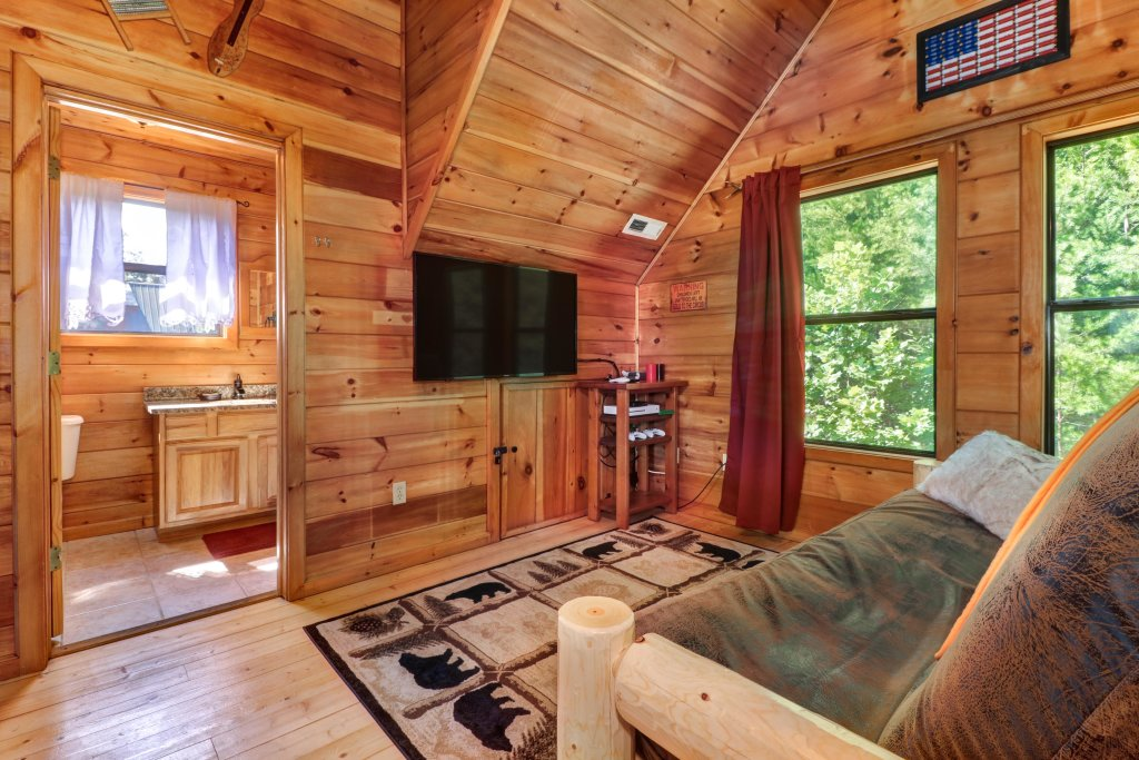 Photo of a Pigeon Forge Cabin named Yeti Peak - This is the thirteenth photo in the set.