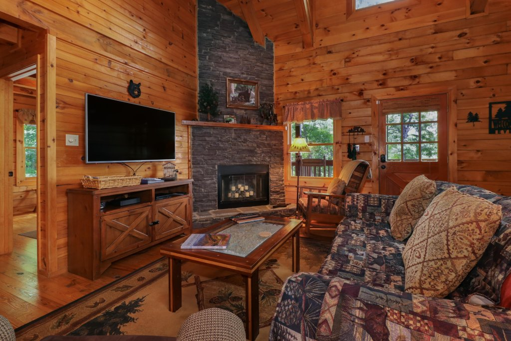Photo of a Sevierville Cabin named Evergreen - This is the fourth photo in the set.
