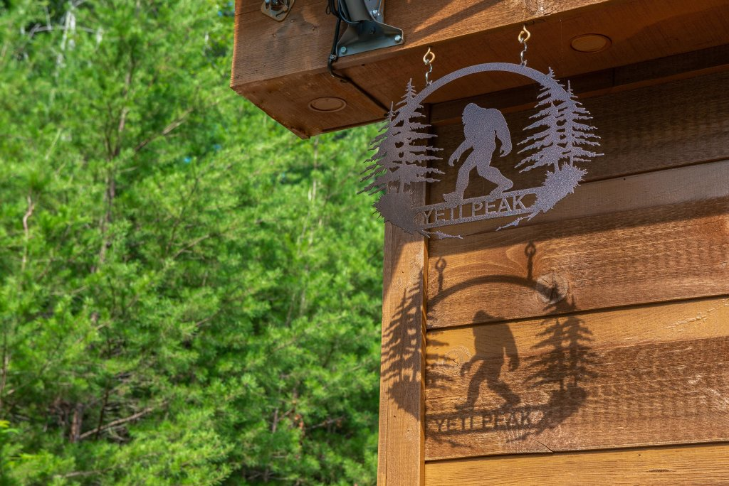 Photo of a Pigeon Forge Cabin named Yeti Peak - This is the thirty-sixth photo in the set.
