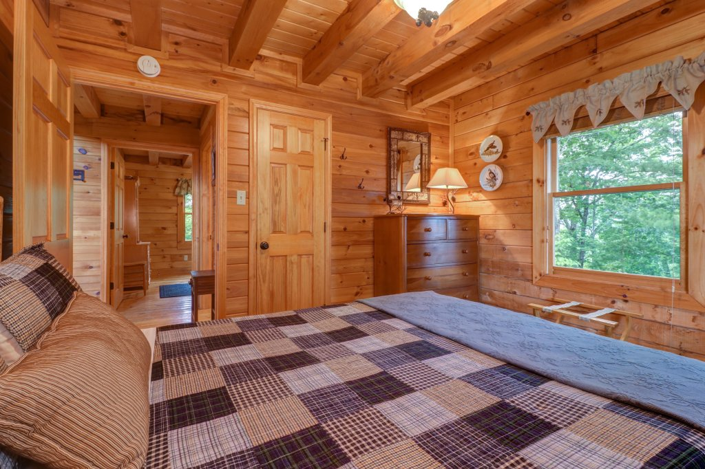 Photo of a Sevierville Cabin named Evergreen - This is the thirteenth photo in the set.