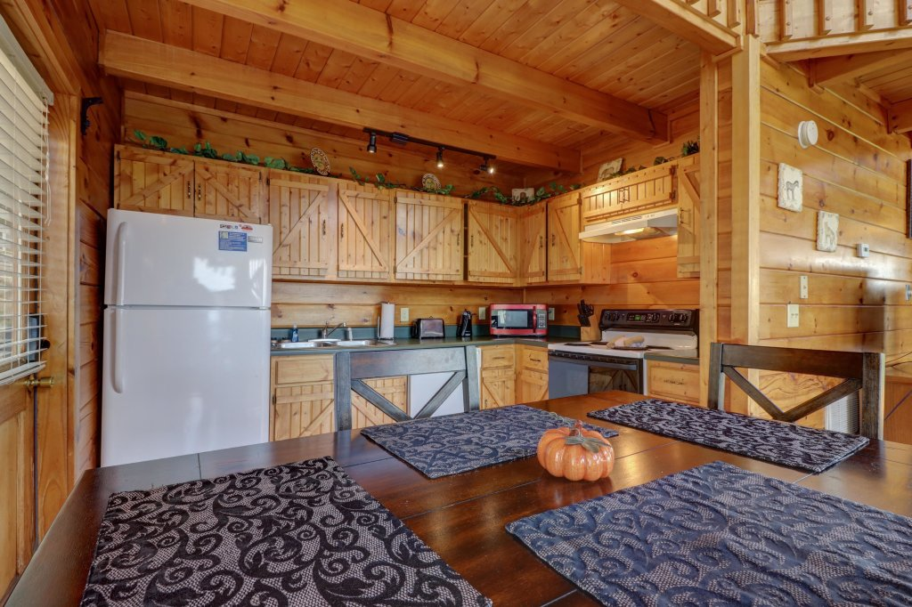 Photo of a Pigeon Forge Cabin named Sky View - This is the ninth photo in the set.