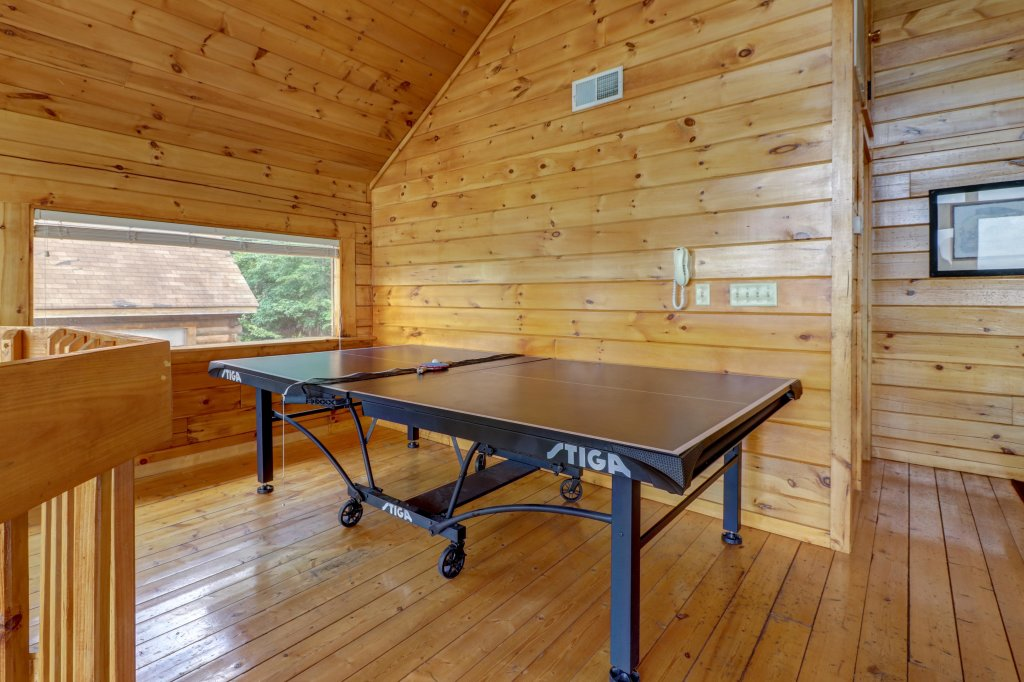 Photo of a Pigeon Forge Cabin named Sky View - This is the fifth photo in the set.