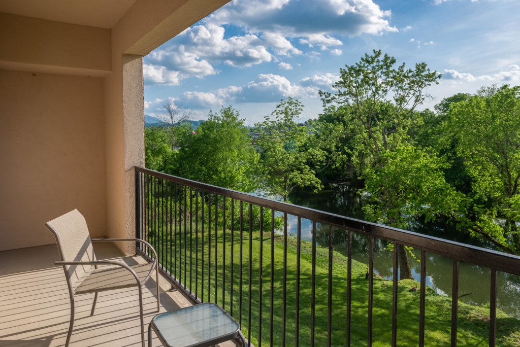 Photo of a Pigeon Forge Cabin named A Beautiful River View - This is the sixth photo in the set.