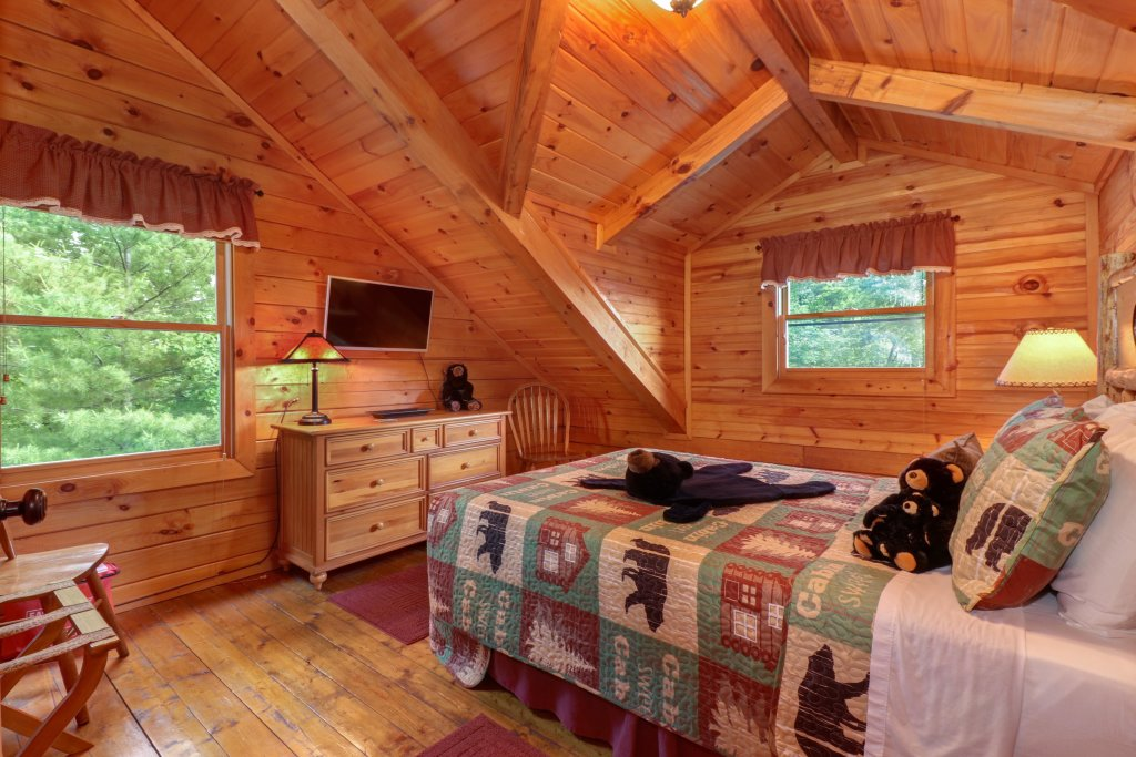 Photo of a Sevierville Cabin named Evergreen - This is the seventeenth photo in the set.