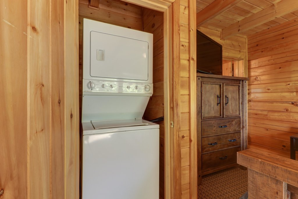 Photo of a Pigeon Forge Cabin named Sky View - This is the twenty-third photo in the set.