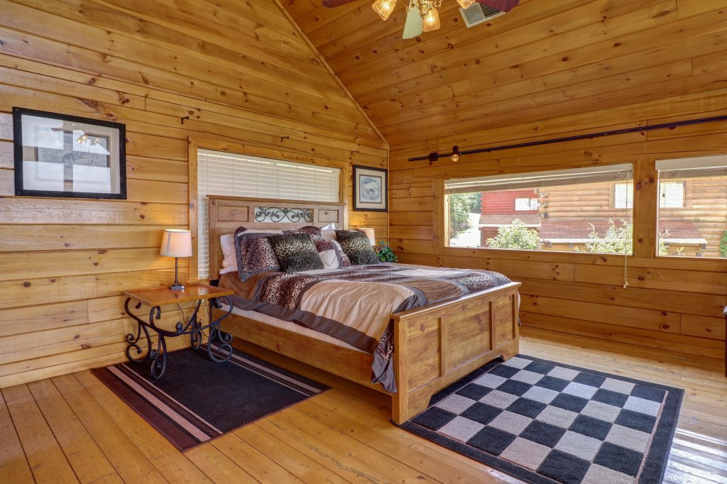Photo of a Pigeon Forge Cabin named Sky View - This is the twelfth photo in the set.