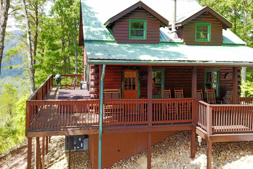 Photo of a Sevierville Cabin named Evergreen - This is the thirty-third photo in the set.