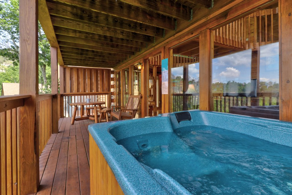 Photo of a Pigeon Forge Cabin named Sky View - This is the twenty-second photo in the set.