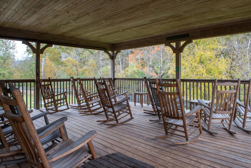 Photo of a Sevierville Cabin named Little River Loft - This is the twenty-first photo in the set.