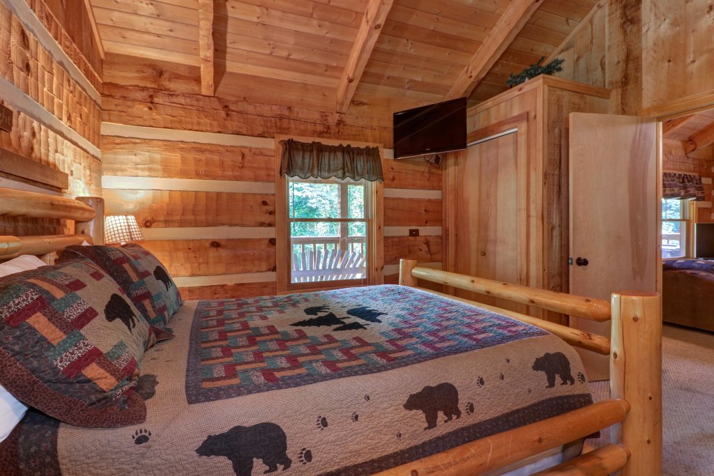 Photo of a Sevierville Cabin named Bears Heaven - This is the thirteenth photo in the set.