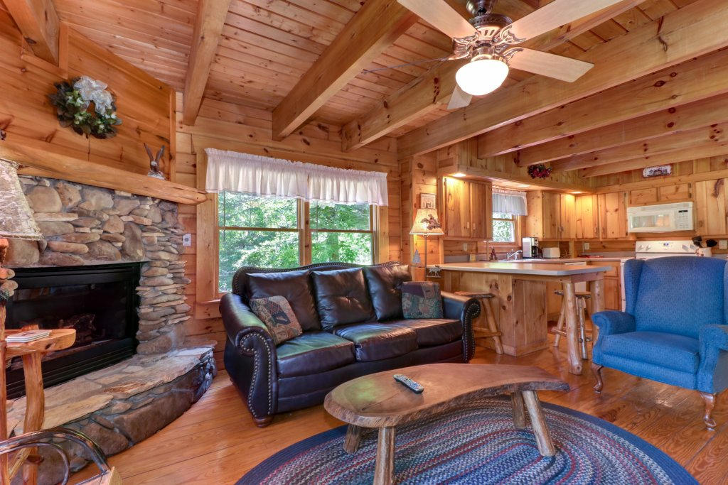 Photo of a Gatlinburg Cabin named Appalachian View - This is the seventh photo in the set.