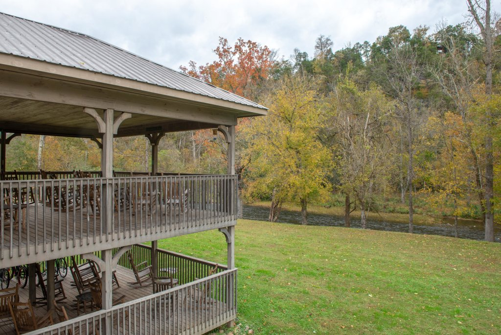 Photo of a Sevierville Cabin named Little River Loft - This is the fourth photo in the set.