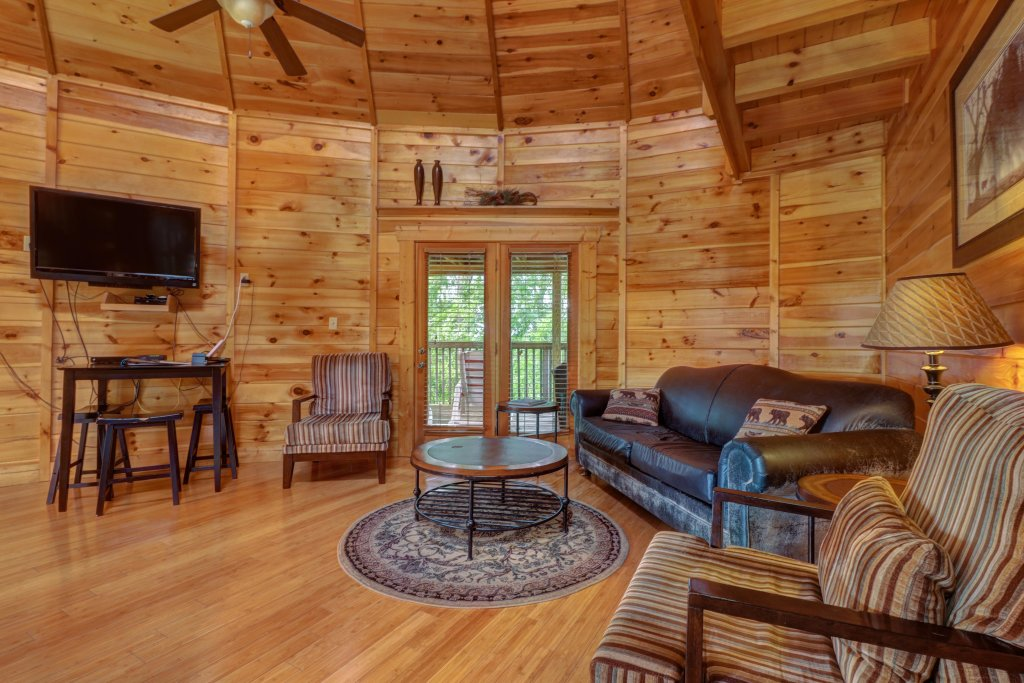 Photo of a Sevierville Cabin named Just Hangin' Around - This is the eighth photo in the set.