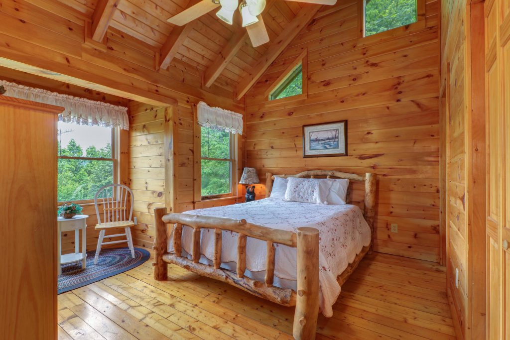 Photo of a Gatlinburg Cabin named Appalachian View - This is the thirteenth photo in the set.