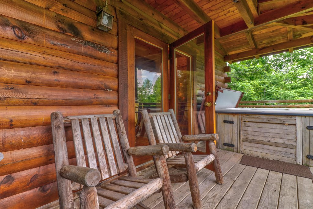 Photo of a Gatlinburg Cabin named Appalachian View - This is the fifth photo in the set.