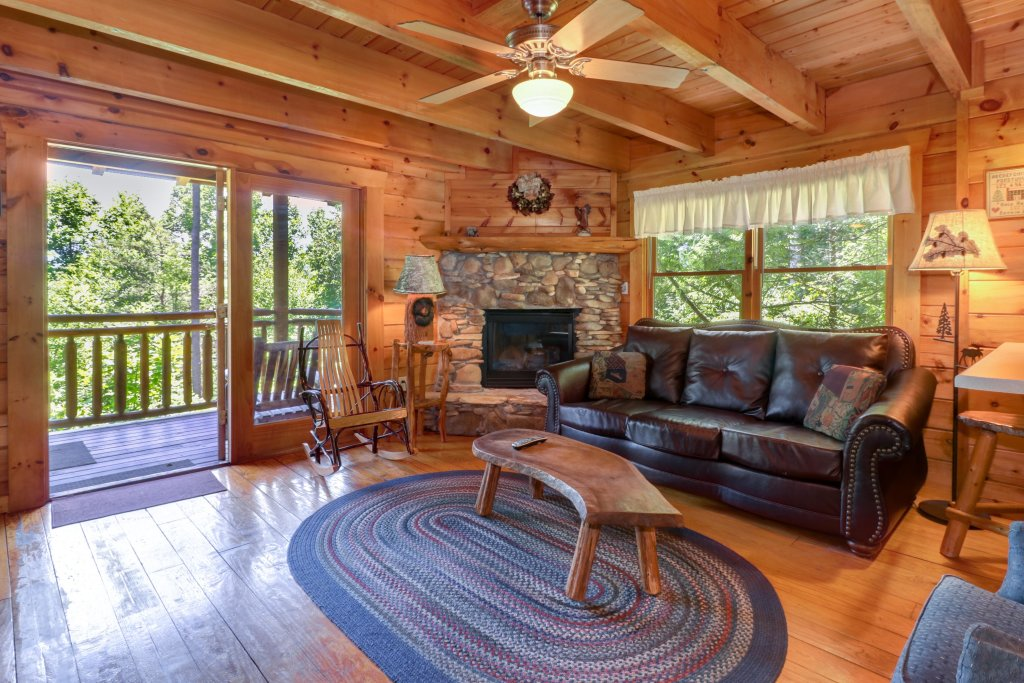 Photo of a Gatlinburg Cabin named Appalachian View - This is the first photo in the set.