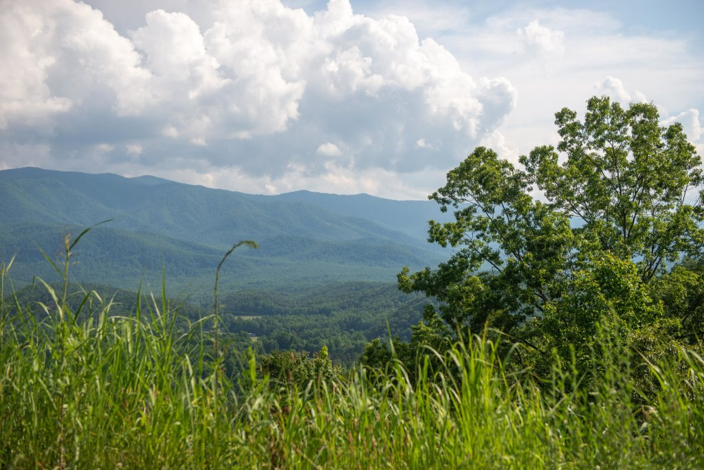Photo of a Gatlinburg Cabin named Appalachian View - This is the thirty-second photo in the set.