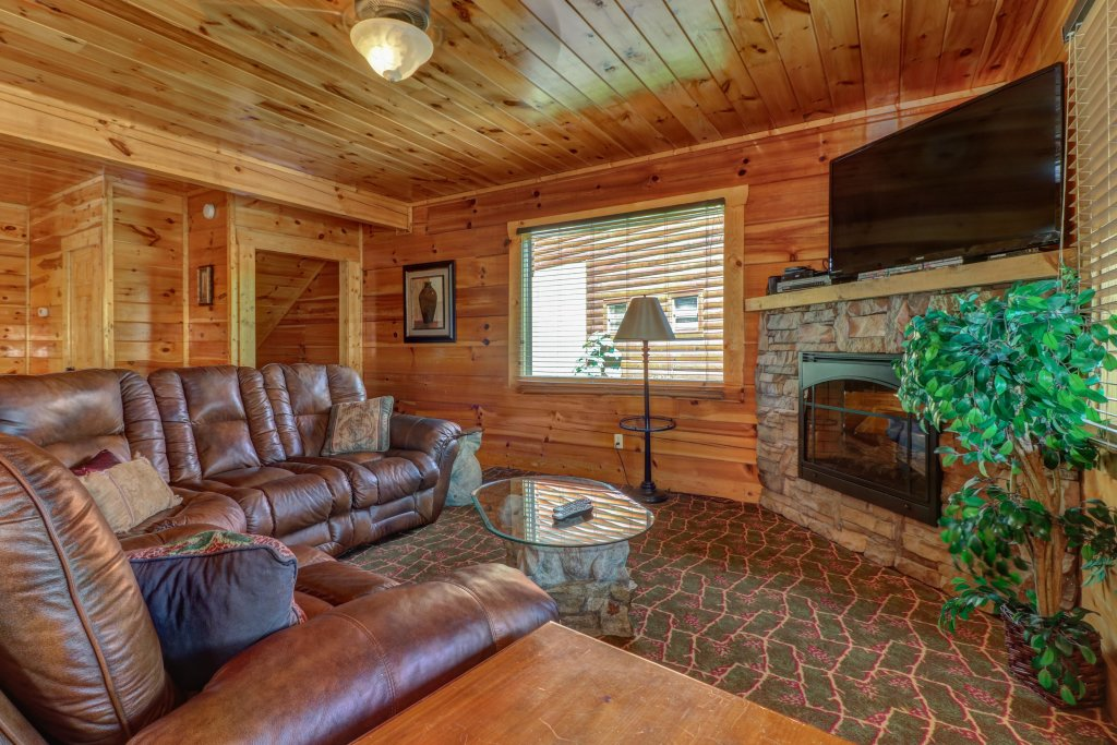 Photo of a Sevierville Cabin named Just For Fun - This is the first photo in the set.