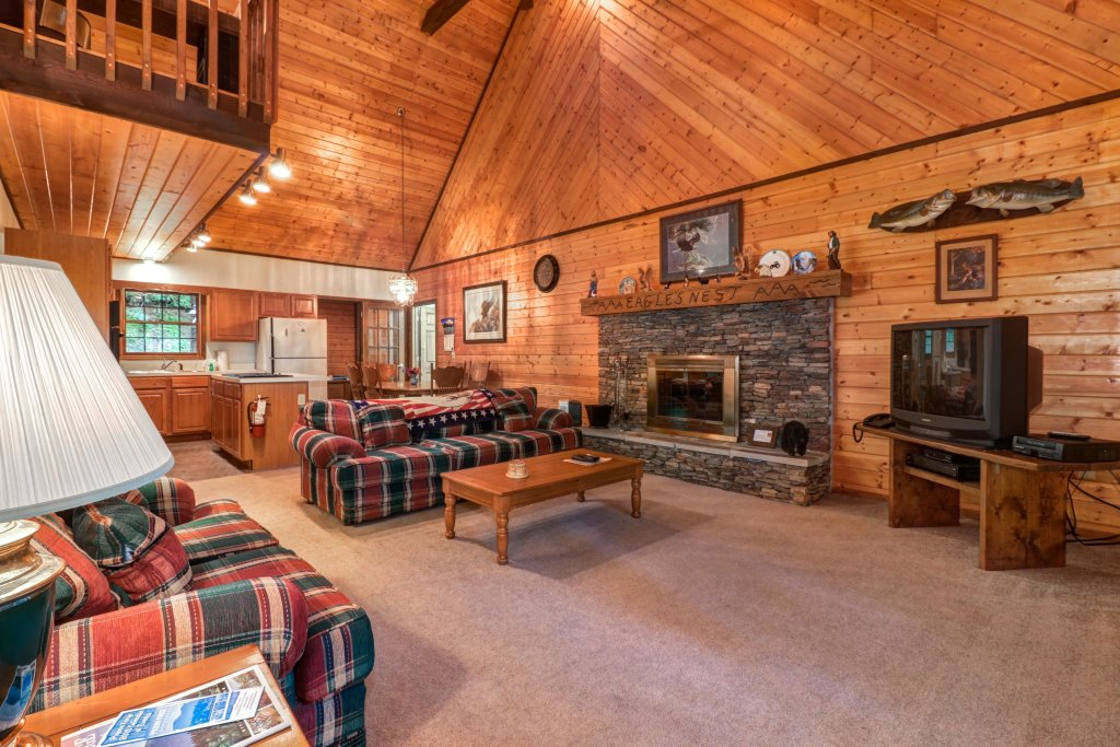 Photo of a Sevierville Cabin named Eagle's Nest - This is the sixth photo in the set.