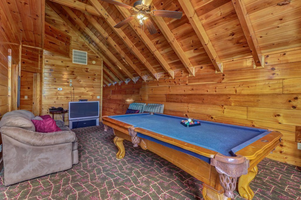 Photo of a Sevierville Cabin named Just For Fun - This is the eleventh photo in the set.
