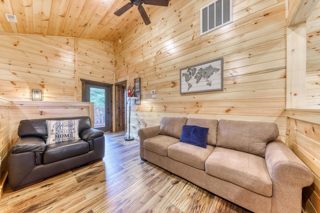 Photo of a Sevierville Cabin named Splashing Cubs - This is the eighteenth photo in the set.
