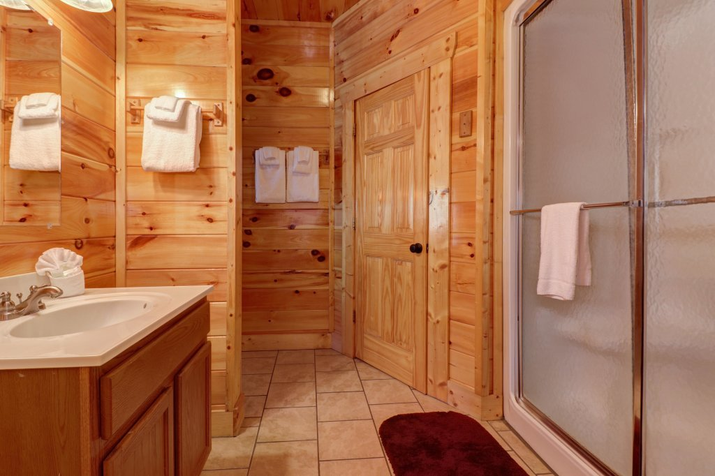 Photo of a Sevierville Cabin named Just For Fun - This is the fourteenth photo in the set.
