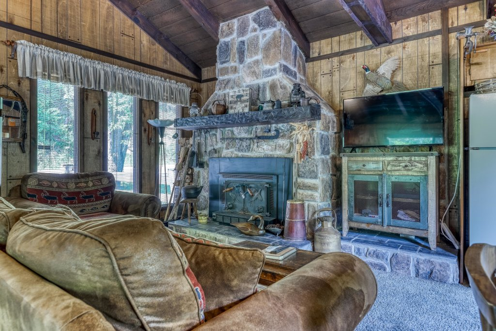 Photo of a Gatlinburg Cabin named Ray's Chalet - This is the eighth photo in the set.