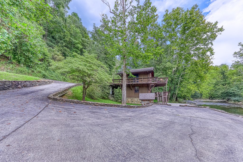 Photo of a Gatlinburg Cabin named Ray's Chalet - This is the thirty-sixth photo in the set.