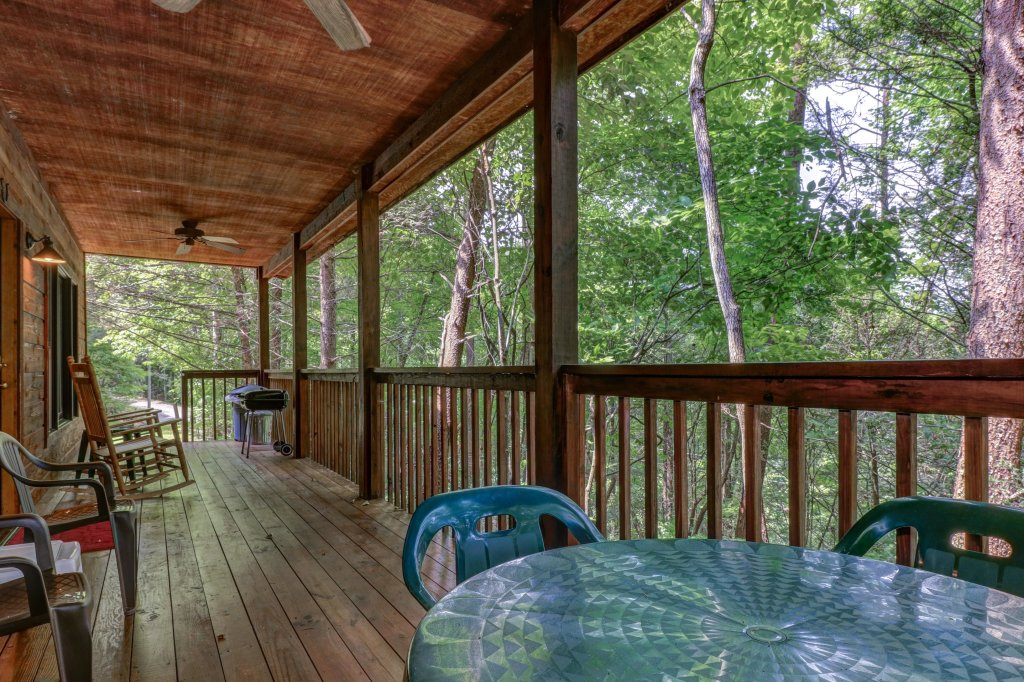 Photo of a Sevierville Cabin named Eagle's Nest - This is the thirty-second photo in the set.