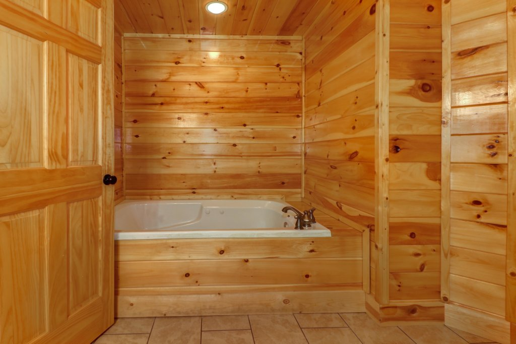 Photo of a Sevierville Cabin named Just For Fun - This is the seventeenth photo in the set.