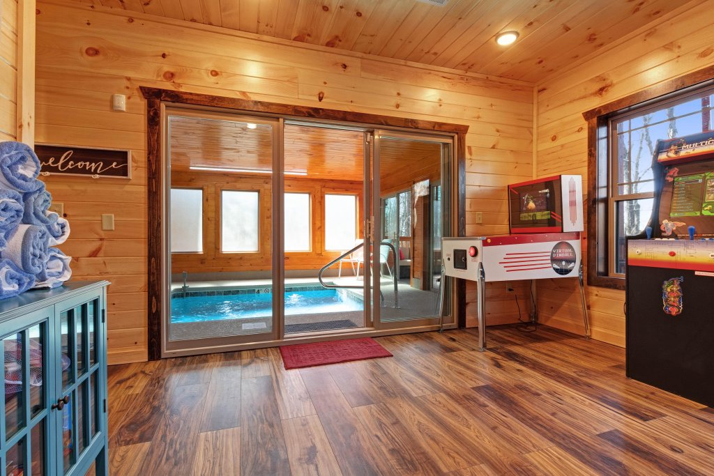 Photo of a Sevierville Cabin named Splashing Cubs - This is the fifth photo in the set.