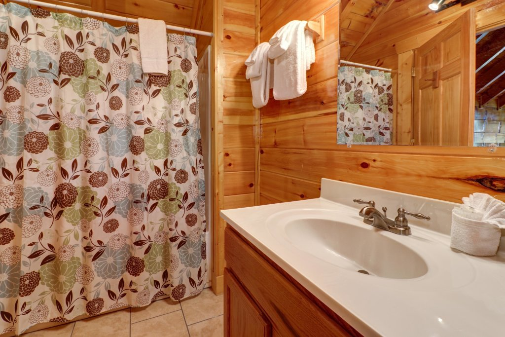 Photo of a Sevierville Cabin named Just For Fun - This is the twentieth photo in the set.
