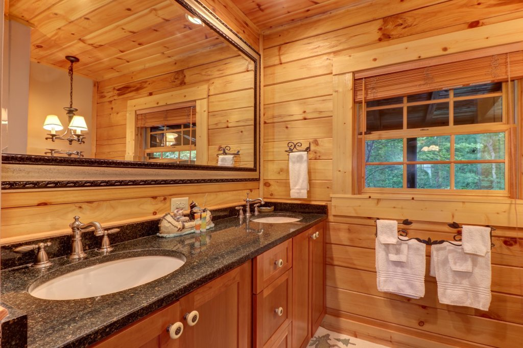 Photo of a Sevierville Cabin named Mountain Top Mansion - This is the seventeenth photo in the set.